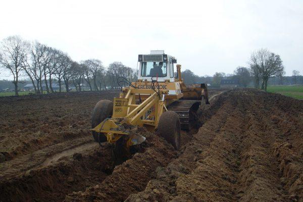 Diepploeg land bulldozer